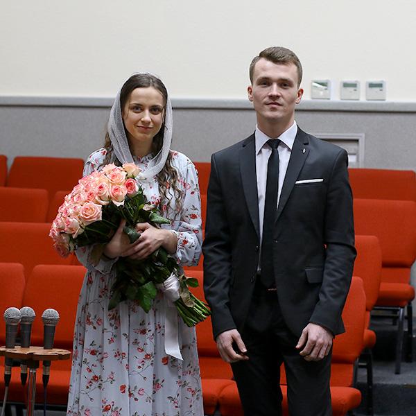 Заручена пара Євген та Ріта