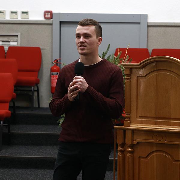 Євген Владиченко переходить в іншу церкву