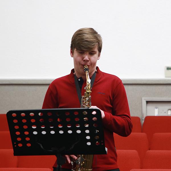 Гран на саксофоні