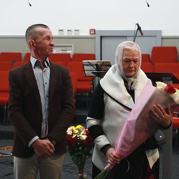 Заручена пара Валерій та Єлизавета
